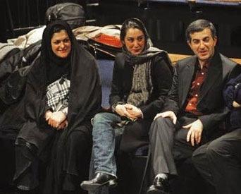 از چپ به راست:  آزاده اردکانی ، هديه تهراني، رحيم مشايي